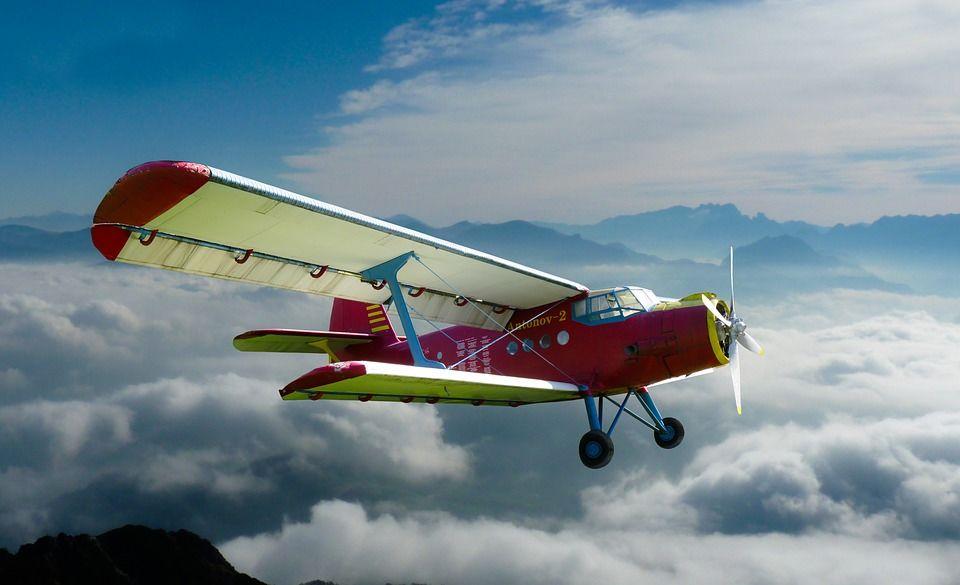 aircraft-1248824_960_720.jpg