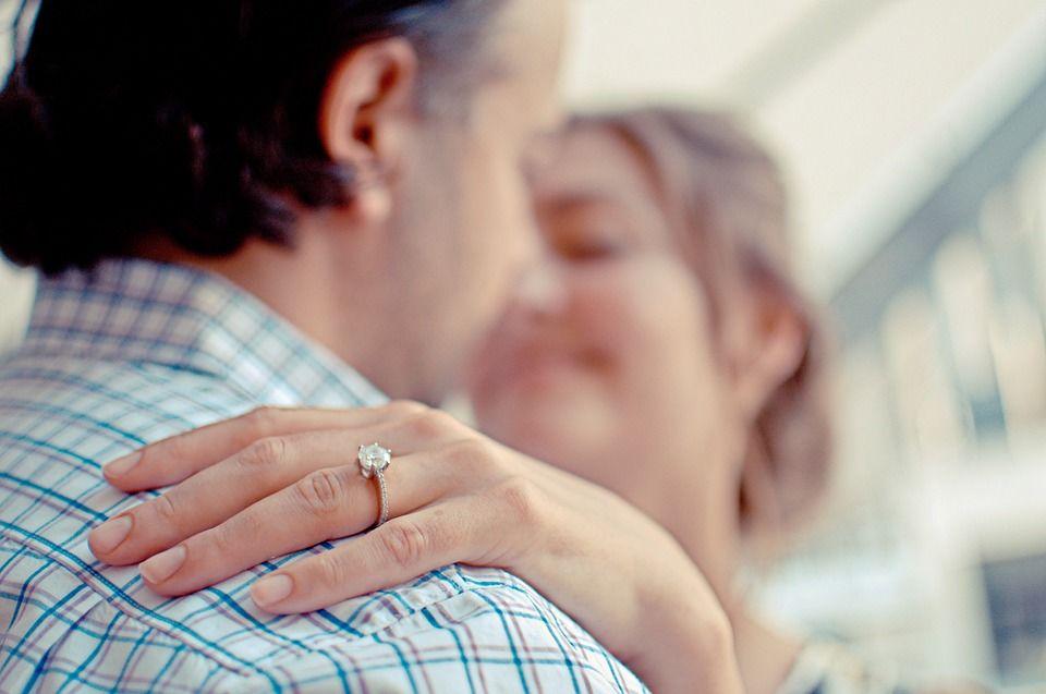 couple-802058_960_720.jpg